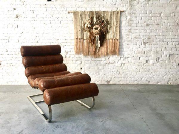 Die Firma vintage shop Antwerp lederen lounge chair