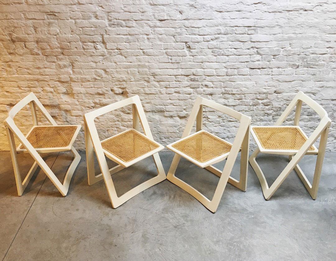 Die-Firma-vintage-shop-Antwerp-foldingchair-aldojacober-pierangeladaniello-bazzani