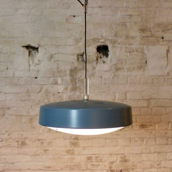 Die-Firma-vintage-shop-Antwerp-metalen-hanglamp
