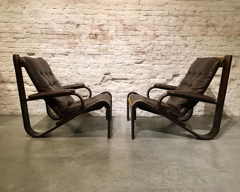 Die-Firma-vintage-shop-Antwerp-mid-century-bendedwood-fauteuil