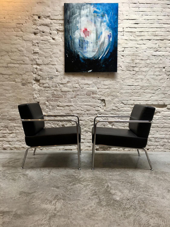Die-Firma-vintage-shop-Antwerp-mid-century-fauteuil