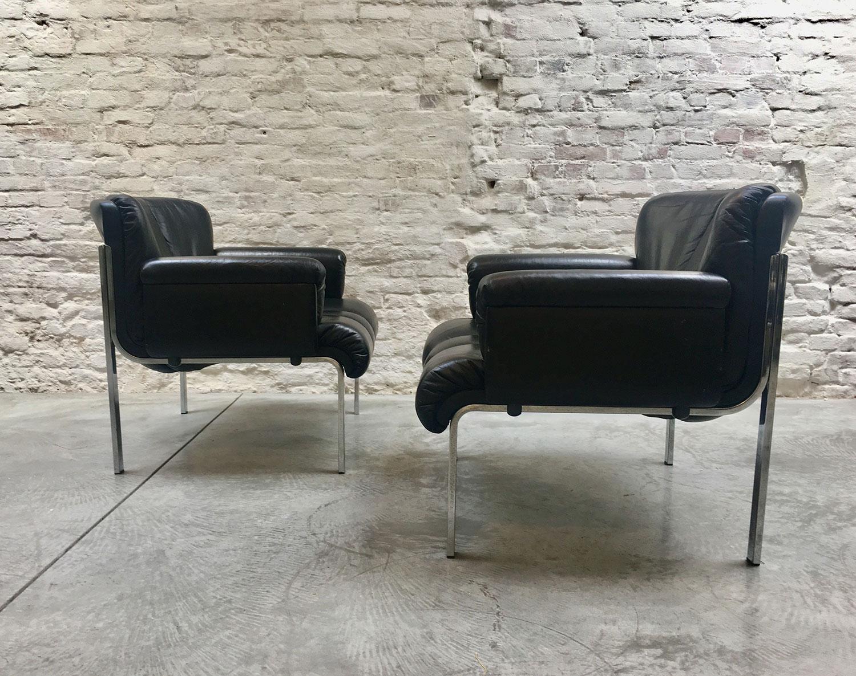 Die-Firma-vintage-shop-Antwerp-mid-century-oneseater