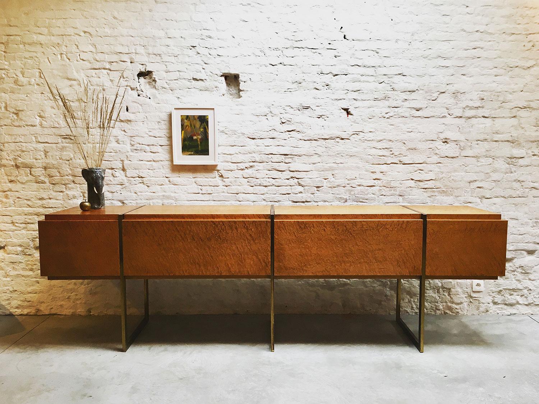 Die-Firma-vintage-shop-Antwerp-mid-century-sideboard-burl