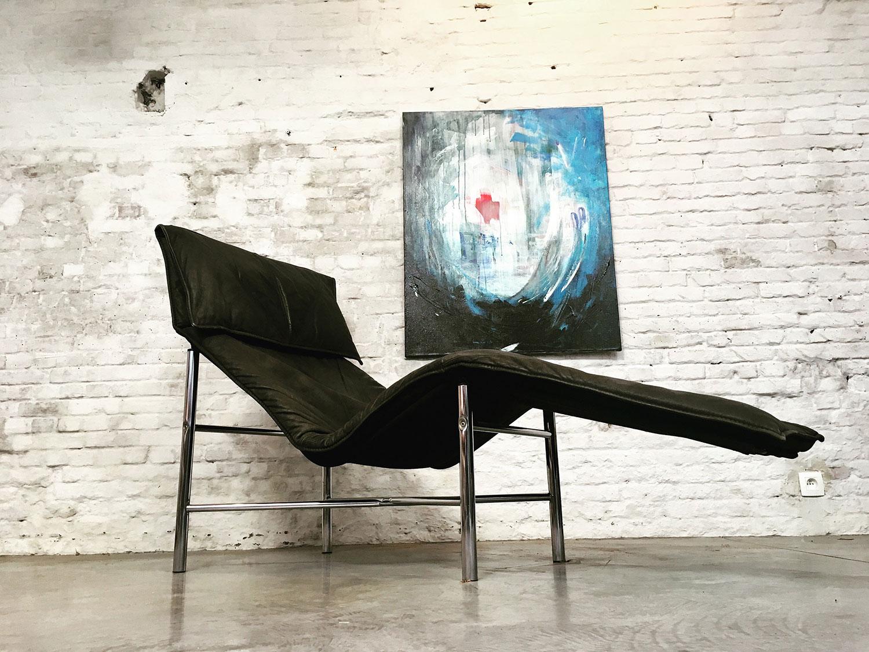 Die-Firma-vintage-shop-Antwerp-tordbjorklund-ikea-lounge-chair