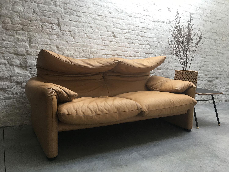 Die-Firma-vintage-shop-Antwerp-twoseater-cassina-maralunga