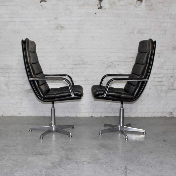 Die Firma vintage shop Antwerp Artifort Holland office chairs f141