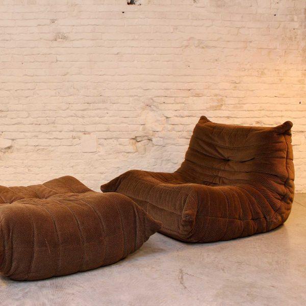 Die Firma vintage shop Antwerp Bruine velvet Ligne Roset Togo Michel Ducaroy