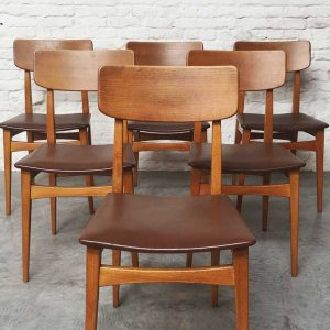 Eettafel + Set stoelen Abstracta – Josde Mey voor Van Den Berghe – Pauvers