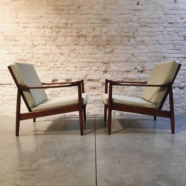 Die Firma vintage shop Antwerp Scandinavische easy chairs
