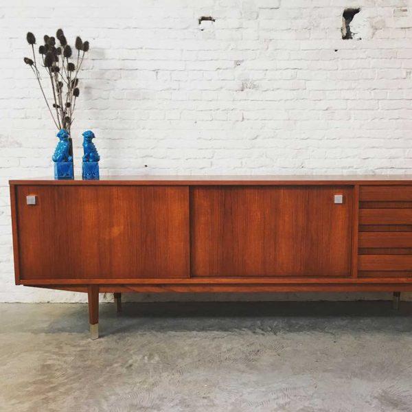 Die Firma vintage shop Antwerp sideboard Alfred Hendrickx voor Belform