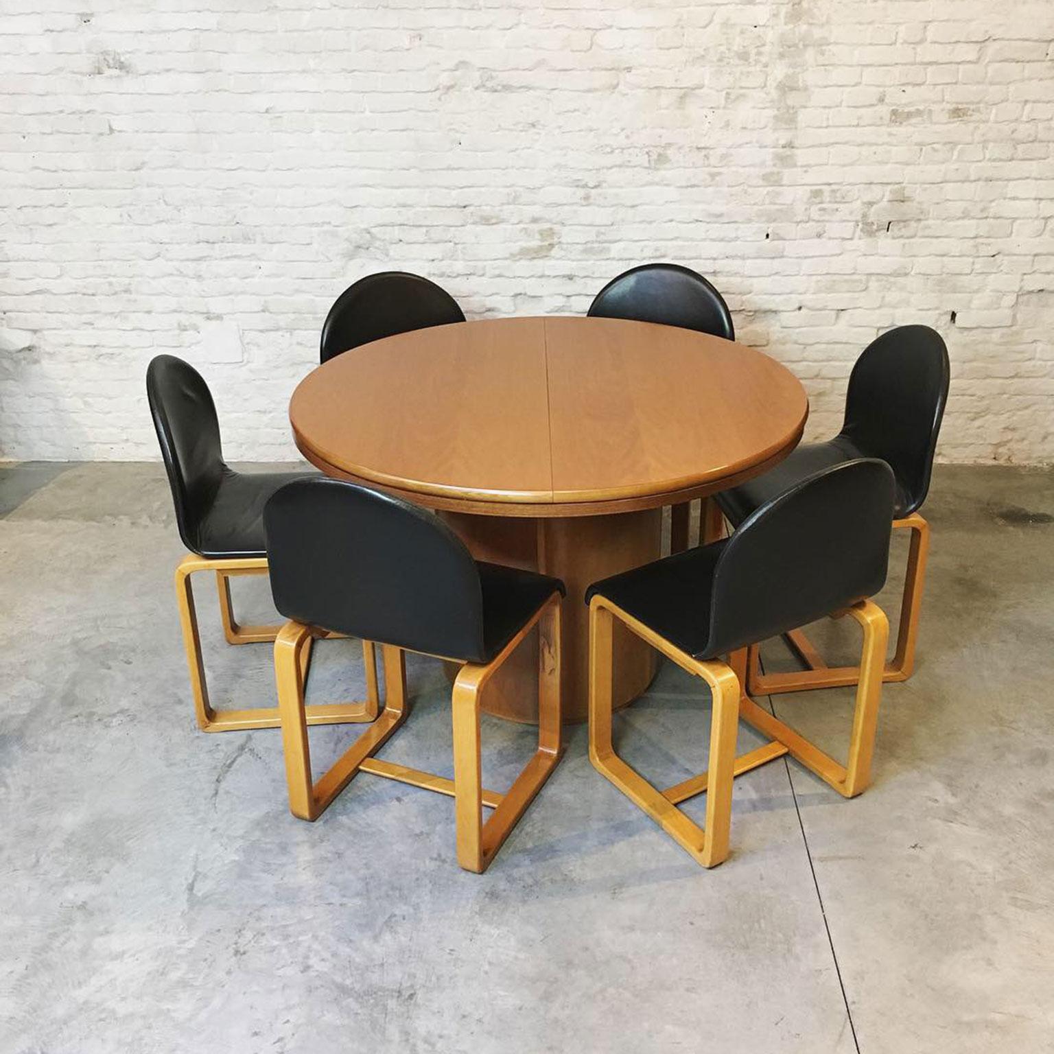 Die Firma vintage shop Antwerp Eetkamerset met 6 stoelen van Skovby