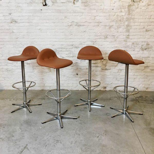 Die Firma vintage shop Antwerp Set 4 vintage krukken