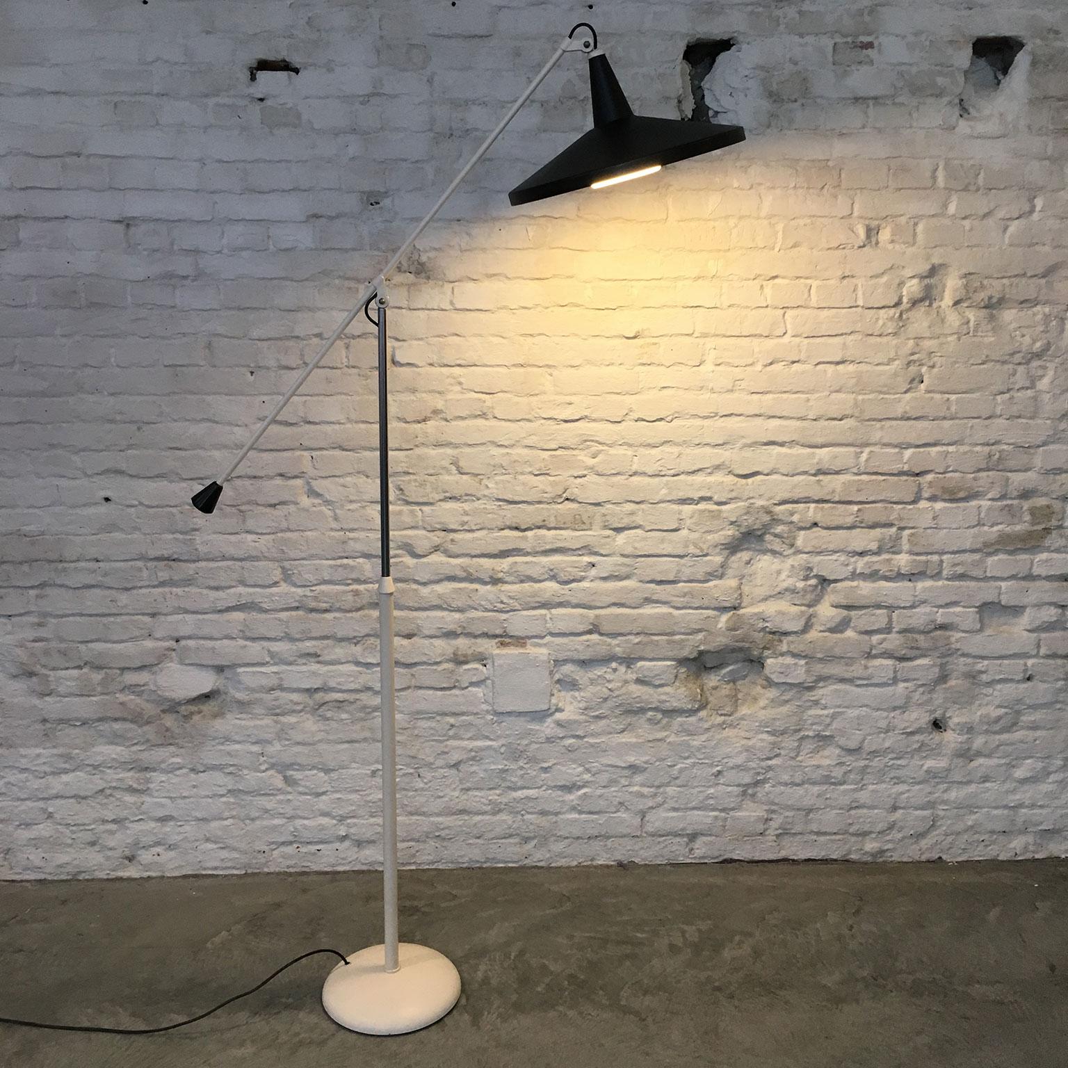 Die-Firma-vintage-shop-Antwerp-Gispen-Panama-vloerlamp