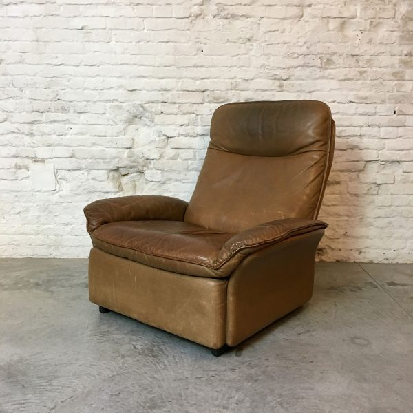 Die-Firma-vintage-shop-Antwerp-vintage-De-Sede-fauteuil-hocker