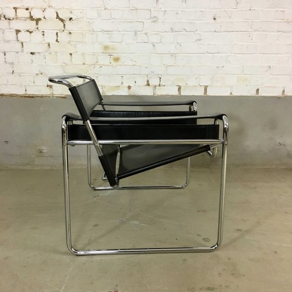 Die-Firma-vintage-shop-Antwerp-Originele-Wassily-stoel-Marcel-Breuer