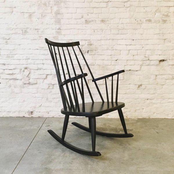 Die-Firma-vintage-shop-Antwerp-Vintage-Ercol-schommelstoel